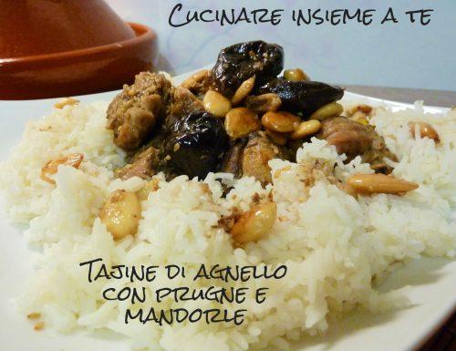 TAJINE DI AGNELLO CON PRUGNE E MANDORLE