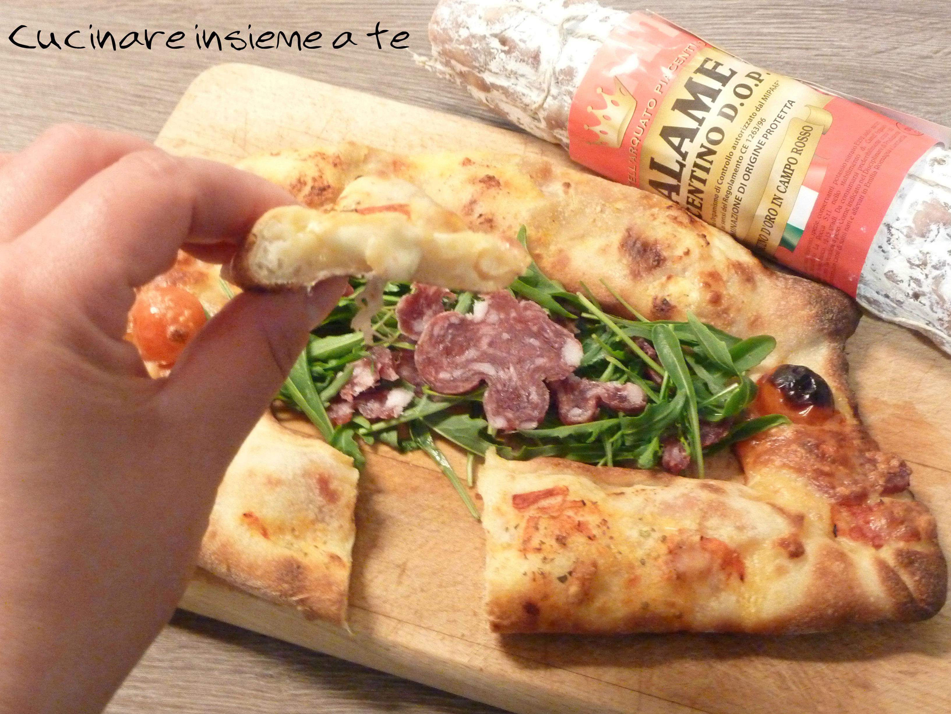 PIZZA FARCITA CON FARINE MACINATE A PIETRA