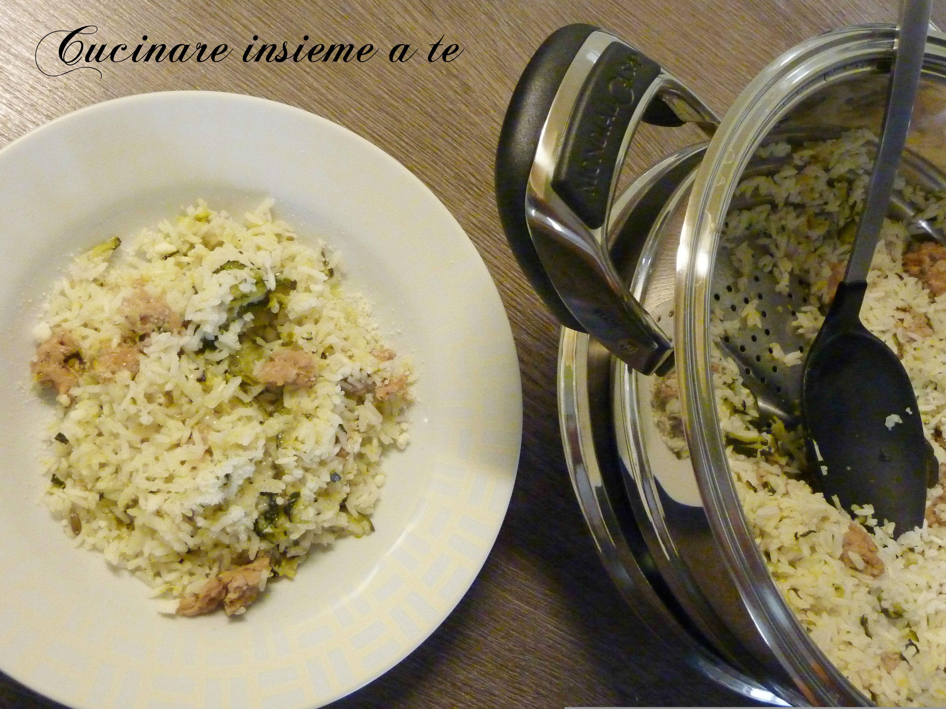 RISOTTO AL VAPORE TUTTO IN PENTOLA con zucchina e salsiccia